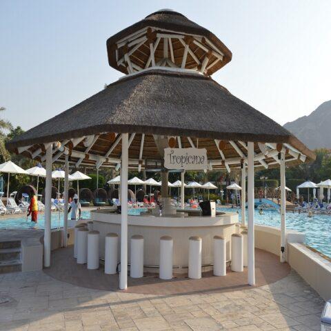 Tropicana Bar Fujairah Rotana Resort & Spa